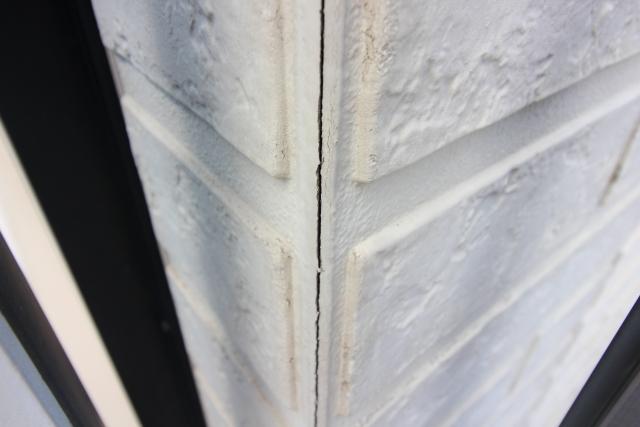 外壁リフォーム・サイディングのひび割れ